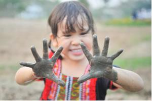 Crianças e o contato com os germes